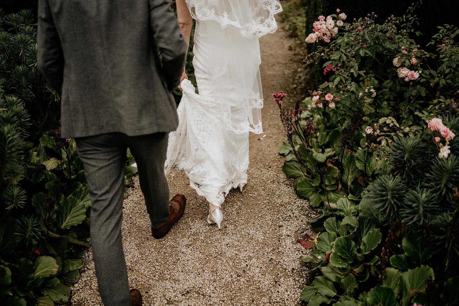 surrey wedding photographer loseley park